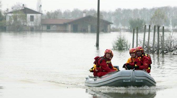 L'inondation goutte à goutte.  Les villes rurales de Casalserugo et Bovolenta (Italie) au Tg1 Rai de 20 heures  suite à l'inondation du 2 novembre 2010